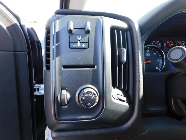 2017 Silverado 3500 Regular Cab DRW,  Platform Body #M186949 - photo 18