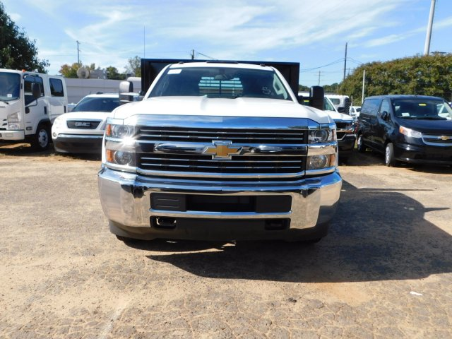 2017 Silverado 3500 Regular Cab DRW,  Platform Body #M186949 - photo 3