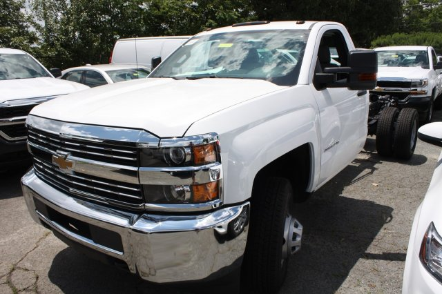 2017 Silverado 3500 Regular Cab Cab Chassis #M198506 - photo 9