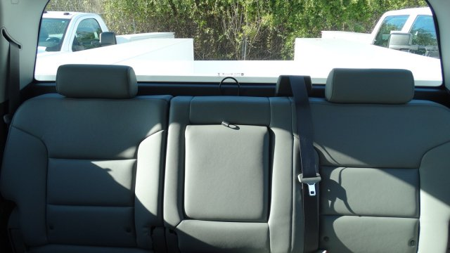 2017 Silverado 3500 Crew Cab DRW, Reading Classic II Steel Service Body #M217983 - photo 22