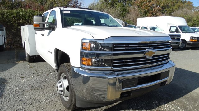 2017 Silverado 3500 Crew Cab DRW, Reading Classic II Steel Service Body #M217983 - photo 3