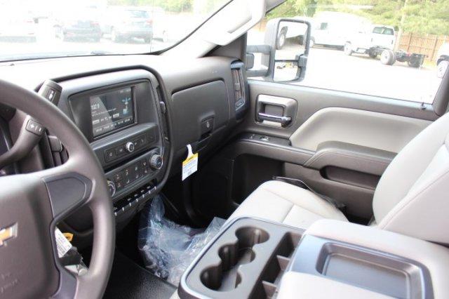 2019 Silverado 3500 Regular Cab DRW 4x4,  Reading SL Service Body #M223066 - photo 8