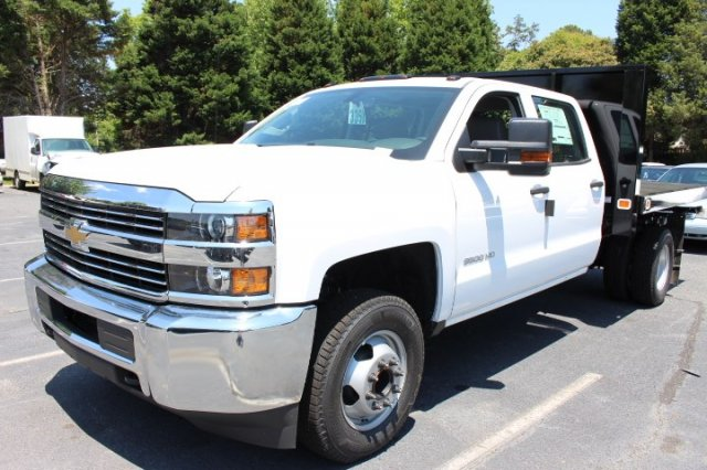 2018 Silverado 3500 Crew Cab DRW 4x2,  Knapheide Value-Master X Platform Body #M229937 - photo 4