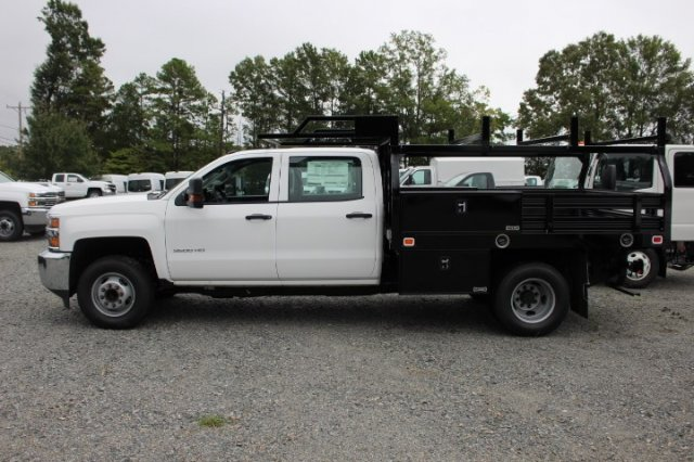 2018 Silverado 3500 Crew Cab DRW 4x2,  Knapheide Contractor Body #M231922 - photo 4