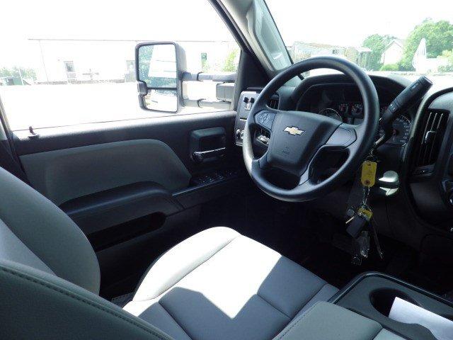 2019 Silverado 3500 Crew Cab DRW 4x4,  Knapheide Concrete Contractor Body #M248258 - photo 8