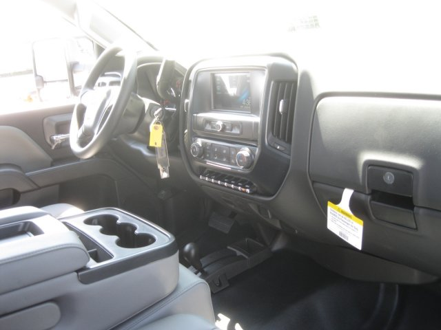 2017 Silverado 3500 Regular Cab 4x4 Pickup #M271670 - photo 28