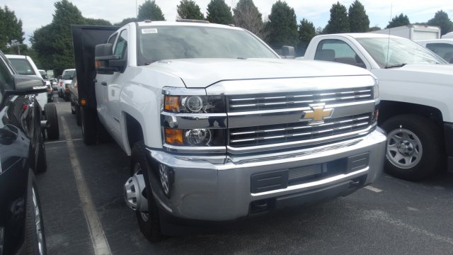 2016 Silverado 3500 Crew Cab 4x4, Freedom Platform Body #M284086 - photo 3