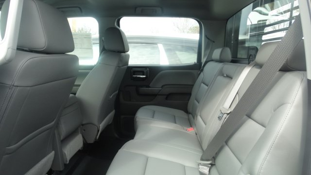 2016 Silverado 3500 Crew Cab 4x4, Freedom Platform Body #M284086 - photo 25