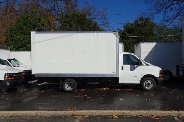 2018 Express 3500 4x2,  Supreme Iner-City Cutaway Van #M290590 - photo 3
