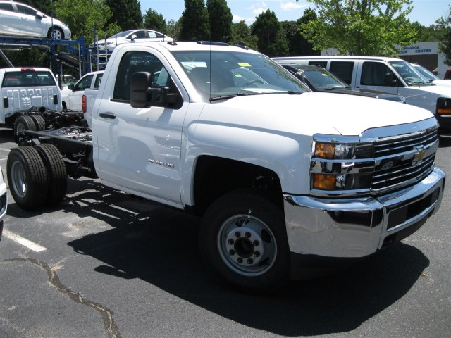 2016 Silverado 3500 Regular Cab, Cab Chassis #M319709 - photo 23