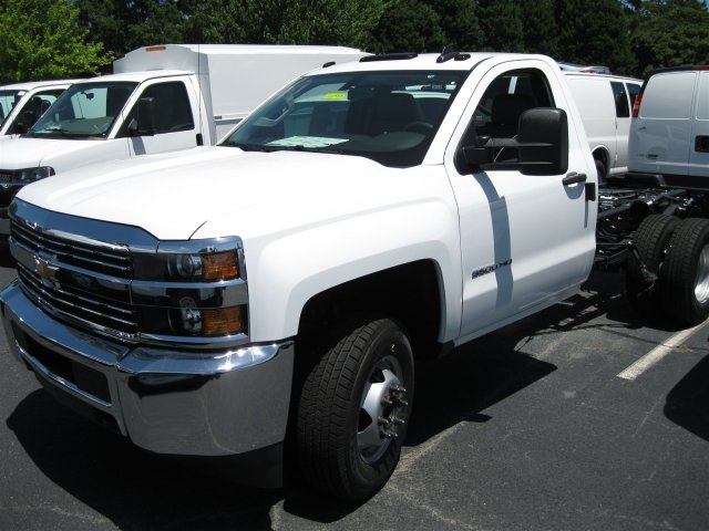2016 Silverado 3500 Regular Cab, Cab Chassis #M319709 - photo 24