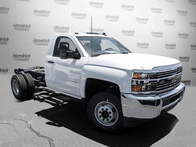 2016 Silverado 3500 Regular Cab, Cab Chassis #M319709 - photo 26