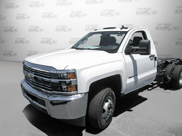 2016 Silverado 3500 Regular Cab, Cab Chassis #M319709 - photo 30