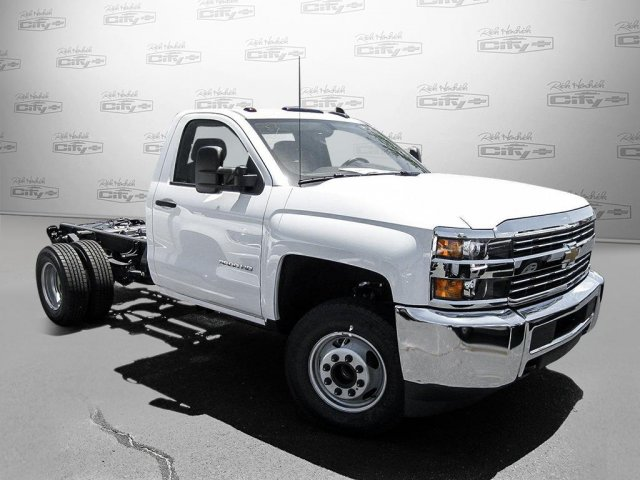 2016 Silverado 3500 Regular Cab, Cab Chassis #M319709 - photo 31
