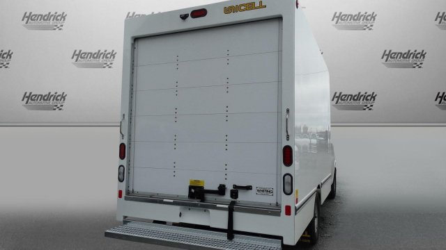 2017 Express 3500 Cutaway Van #M333283 - photo 2