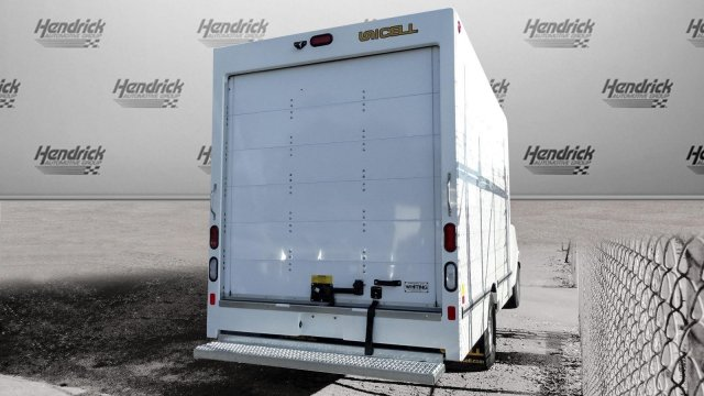 2017 Express 3500 Cutaway Van #M334750 - photo 2