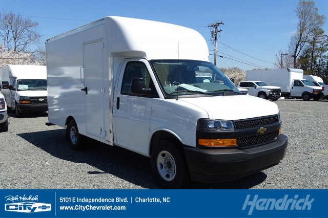 2018 Express 3500 4x2,  Supreme Cutaway Van #M337056 - photo 1