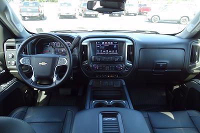 2018 Chevrolet Silverado 1500 Crew Cab 4x4, Pickup #M36333A - photo 18