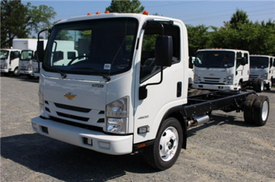 2018 LCF 4500 Regular Cab 4x2,  Cab Chassis #M802778 - photo 3