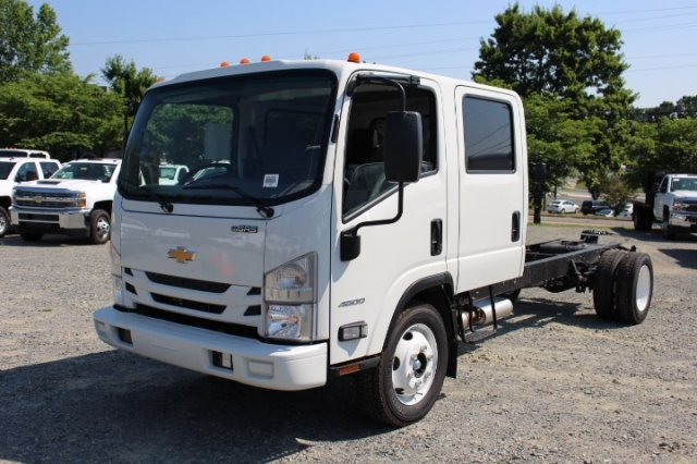2018 LCF 4500 Crew Cab 4x2,  Cab Chassis #M803688 - photo 3