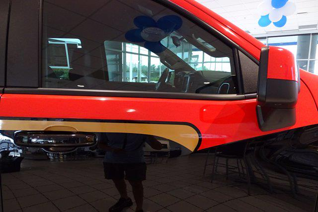 2021 Chevrolet Silverado 1500 Crew Cab 4x4, Pickup #M97799 - photo 10
