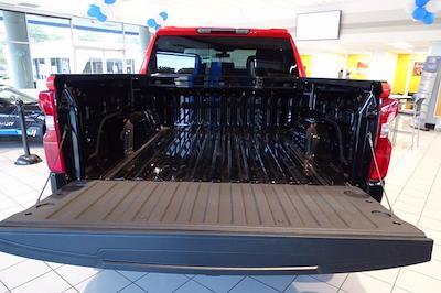 2021 Chevrolet Silverado 1500 Crew Cab 4x4, Pickup #M97799 - photo 13