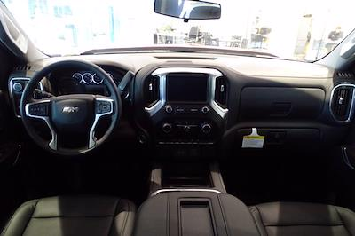 2021 Chevrolet Silverado 1500 Crew Cab 4x4, Pickup #M97799 - photo 17