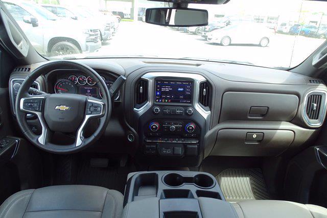 2020 Chevrolet Silverado 1500 Crew Cab 4x4, Pickup #P15738 - photo 16