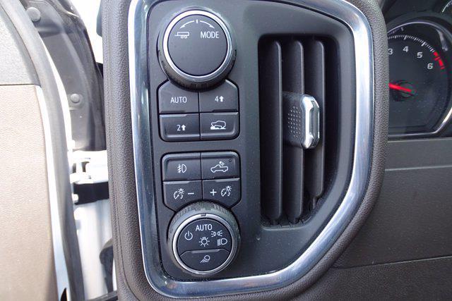 2020 Chevrolet Silverado 1500 Crew Cab 4x4, Pickup #P15738 - photo 20