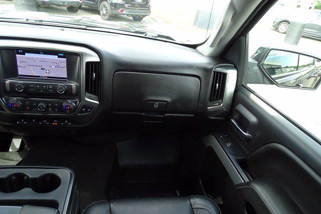 2018 Chevrolet Silverado 1500 Crew Cab 4x4, Pickup #P15863 - photo 17