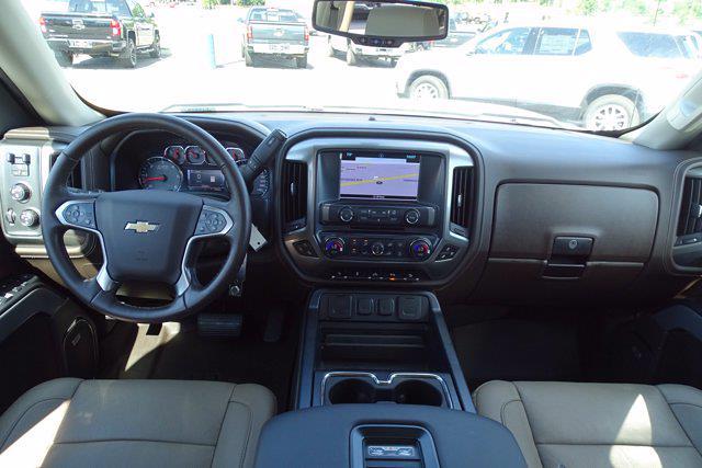 2018 Chevrolet Silverado 1500 Crew Cab 4x4, Pickup #P15876 - photo 18