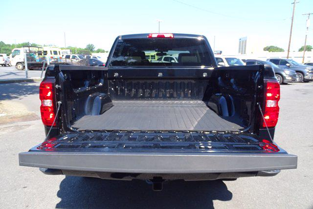 2018 Chevrolet Silverado 1500 Crew Cab 4x4, Pickup #P15878 - photo 14