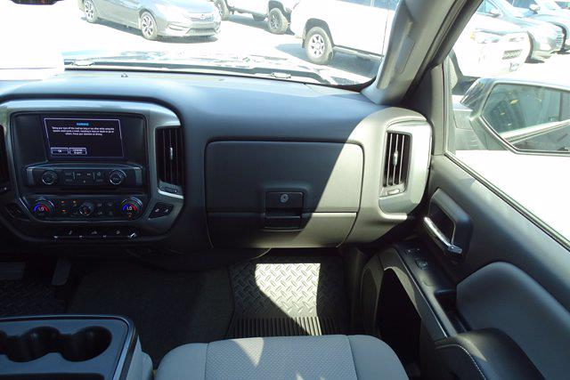 2018 Chevrolet Silverado 1500 Crew Cab 4x4, Pickup #P15878 - photo 17