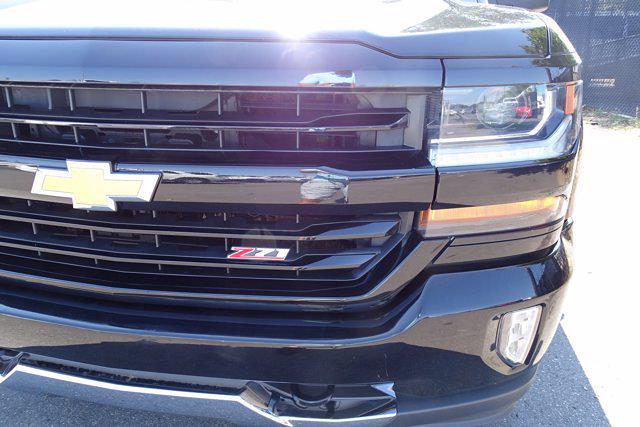 2018 Chevrolet Silverado 1500 Crew Cab 4x4, Pickup #P15878 - photo 9