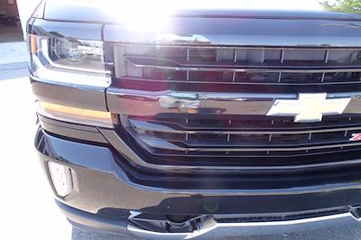 2018 Chevrolet Silverado 1500 Crew Cab 4x4, Pickup #P15878 - photo 10