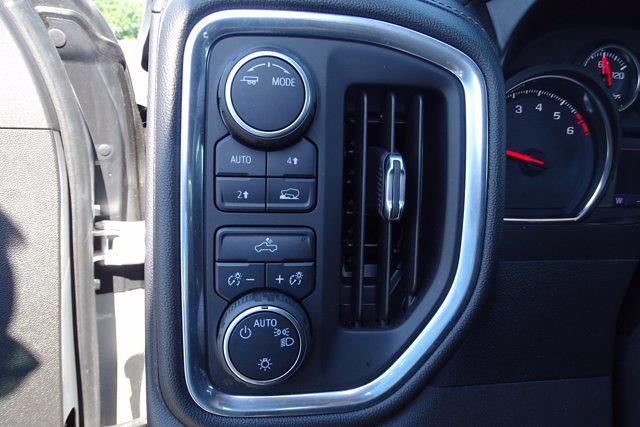 2020 Chevrolet Silverado 1500 Crew Cab 4x4, Pickup #P15898 - photo 20