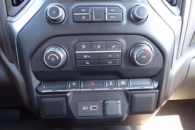 2020 Chevrolet Silverado 1500 Crew Cab 4x2, Pickup #SA15781 - photo 27