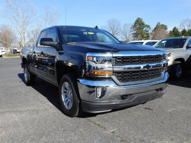 2017 Silverado 1500 Double Cab 4x4, Pickup #T104394 - photo 3