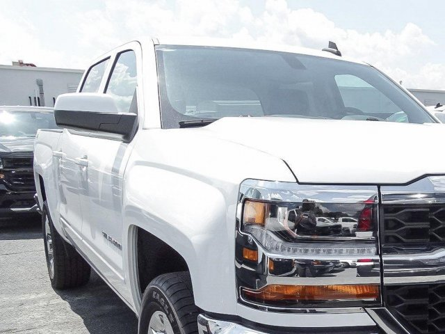 2018 Silverado 1500 Crew Cab 4x4 Pickup #T104488 - photo 3