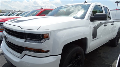 2018 Silverado 1500 Extended Cab 4x4 Pickup #T122676 - photo 7