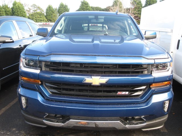 2017 Silverado 1500 Double Cab 4x4, Pickup #T137660 - photo 4