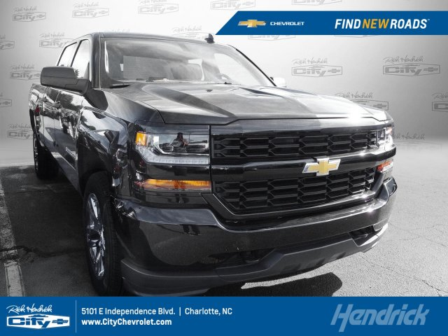 2018 Silverado 1500 Crew Cab, Pickup #T169929 - photo 1