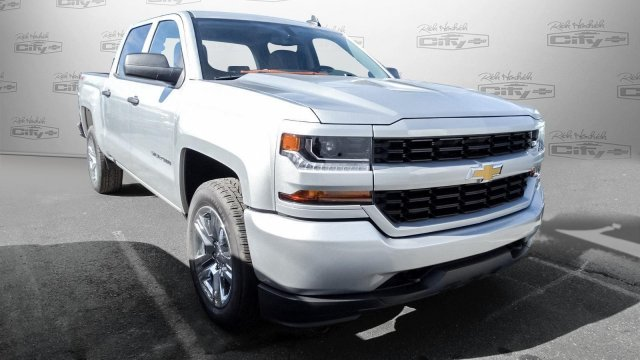 2018 Silverado 1500 Crew Cab 4x4, Pickup #T174855 - photo 5