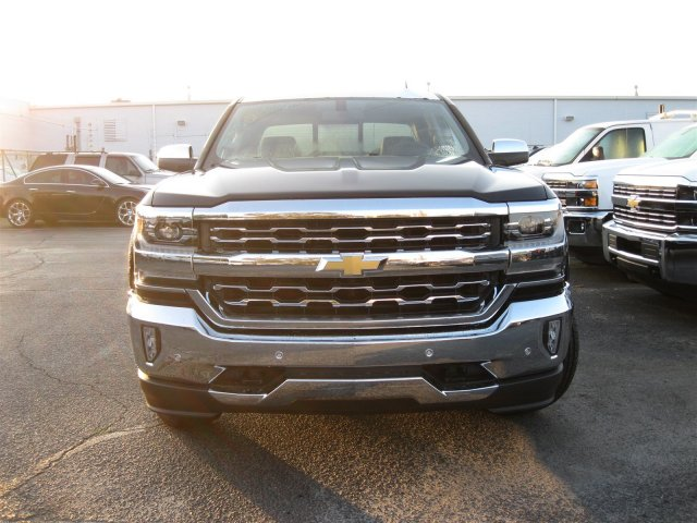 2017 Silverado 1500 Crew Cab 4x4, Pickup #T177178 - photo 4