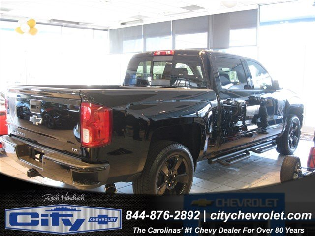 2017 Silverado 1500 Crew Cab 4x4, Pickup #T184578 - photo 3