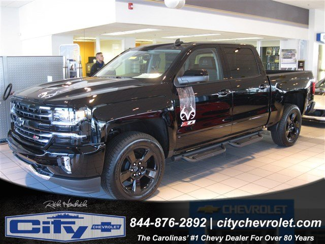 2017 Silverado 1500 Crew Cab 4x4, Pickup #T184578 - photo 7