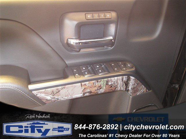 2017 Silverado 1500 Crew Cab 4x4, Pickup #T184578 - photo 11