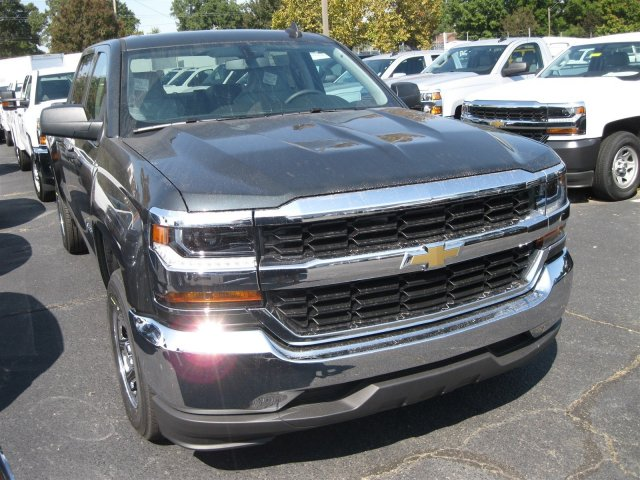 2017 Silverado 1500 Crew Cab, Pickup #T187148 - photo 3