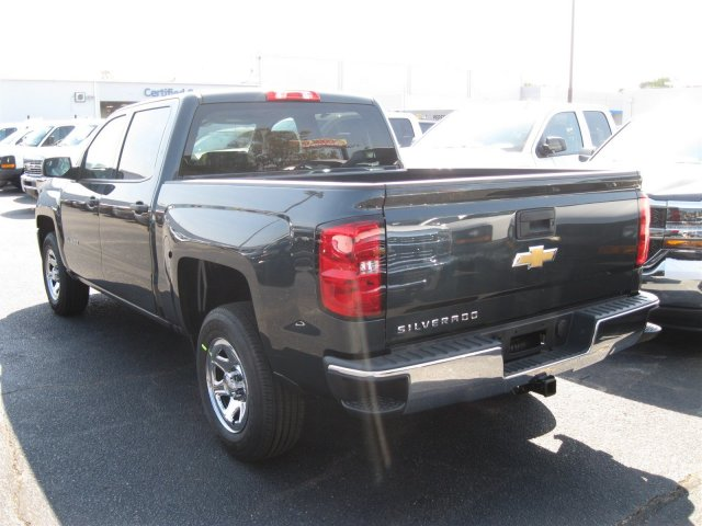 2017 Silverado 1500 Crew Cab, Pickup #T187148 - photo 2
