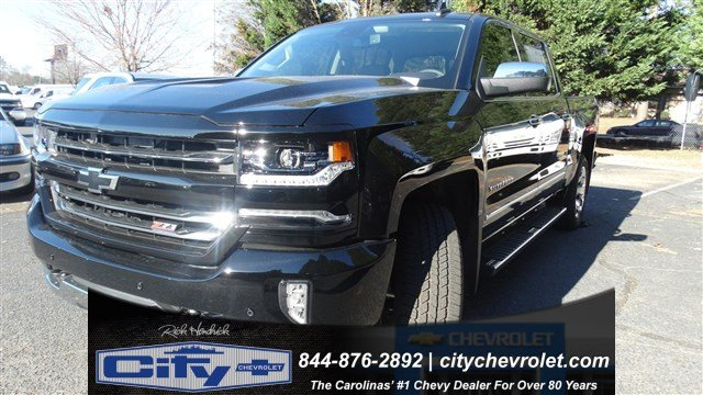 2017 Silverado 1500 Crew Cab 4x4, Pickup #T208329 - photo 3